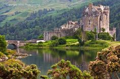 My favourite Scottish Castle, Eileen Donan 💛 Eilean Donan, Scottish Castles, Scotland Travel, Scenery, Around The Worlds, River, Mansions, House Styles, Photography