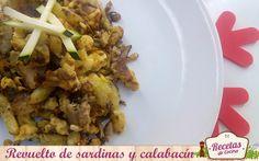 Revuelto de sardinas y calabacín -  La receta de hoy es perfecta para solucionar una comida o cena de manera rápida, sin esfuerzo y con tan solo tres ingredientes (perfecta para neveras y despensas a las que la cuesta de fin de mes les llega antes de tiempo): revuelto de sardinas y calabacín. Pocas recetas tan fáciles resultan ta... - http://www.lasrecetascocina.com/revuelto-de-sardinas-y-calabacin/