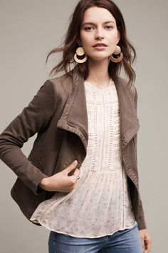 Shop new women's clothing at Anthropologie to discover your next favorite closet staple. Check back frequently for the latest clothing arrivals! Fashion 2017, Look Fashion, Fashion Outfits, Womens Fashion, Fashion Trends, Fall Fashion, Runway Fashion, Fall Outfits, Casual Outfits