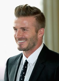David Beckham Shows Off His 'Perfect' Father's Day Present!: Photo David Beckham suits up and looks so handsome while arriving at Buckingham Palace for the Queen's Young Leaders Event on Monday (June in London, England. David Beckham Photos, Style David Beckham, Moda David Beckham, My Hairstyle, Cool Hairstyles, 40 Year Old Men, Cb 1000, Beard Styles, Hair Styles
