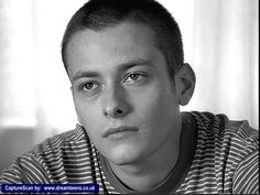 Pictures of Edward Furlong Barty Crouch Jr, 1990s Films, American History X, Edward Furlong, Face Study, Nicholas Hoult, Young Americans, Skinhead, Cute Gay