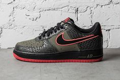 In addition to denim, Nike Sportswear is also working with reptilian scales to fashion editions of the Air Force Low this season. In addition to the purple Nike Motivation, Nike Air Force Ones, Nike Free Shoes, Nike Shoes Outlet, Vintage Nike, Nike Heels, Sneakers Nike, Nike Mode, Reflective Shoes