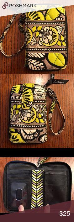 Ver Bradley Vera Bradley wallet, great condition Vera Bradley Bags Clutches & Wristlets