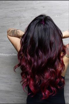25 + › Roter Farbton, Burgunder, roter Schwung, Burgund, rote Haare … - All For Hair Color Balayage Brown Ombre Hair, Ombre Hair Color, Cool Hair Color, Hair Colors, Red Balayage Hair Burgundy, Red Burgandy Hair, Red Balyage, Dark Red Ombre, Dyed Hair Ombre