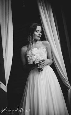 Glamorous Wedding, Wedding Photography, Glamour, Bride, Wedding Dresses, Fashion, Wedding Shot, Wedding Bride, Bride Gowns