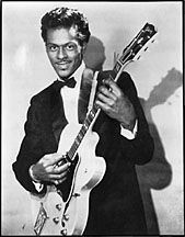 """Chuck Berry was one of the most popular and influential performers of rhythm-and-blues and rock 'n' roll music during the and He's known for songs like """"Johnny B. Goode"""" and """"My Ding-a-Ling. 50s Music, Music Icon, Recital, Beste Songs, Rock & Pop, Muddy Waters, Chuck Berry, Rock N Roll Music, 50s Rock And Roll"""