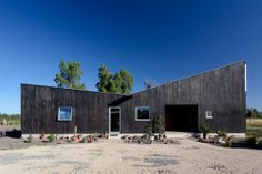 Santa Julia House / Emilio Marin Architects
