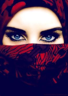 Woman with blue eyes, strong eyebrows and a scarf Arabian Eyes, Arabian Nights, Beautiful Muslim Women, Beautiful Hijab, Rainbow Warrior, Hidden Beauty, Beauty Bar, Look Into My Eyes, Foto Art