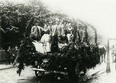 """Festwagen beim Landwirtschaftsfest in Bad Hersfeld, 3.-5. Juli 1914"", in: Historische Bilddokumente <http://www.lagis-hessen.de/de/subjects/idrec/sn/bd/id/140-018> (Stand: 20.4.2011) #Hersfeld"