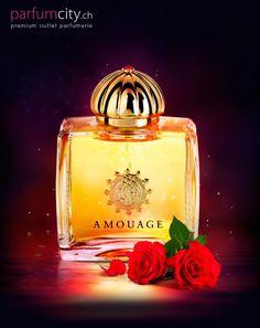 Das Parfüm erinnert an die frisch aufgeblühte Blumenwiese, wo sich die Blumen mit den intensiven Düften von Ylang-Ylang und Patschuli vermischen.