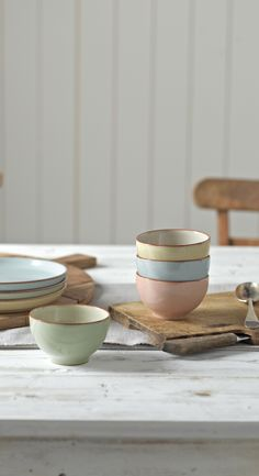 4 set of side bowls in pastel colours, made of clay