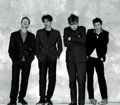 They look like they just escaped from the padded cell at an asylum. Blur Band, Focus Band, Alex J, Charlie Brown Jr, The Kinks, Damon Albarn, Jamie Hewlett, The Strokes, Out Of Focus