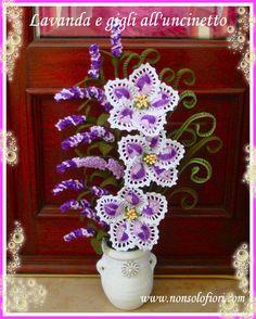 Composizione di fiori all\'uncinetto con gigli e rose - www ...