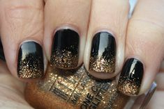 black nails w/ gold gradient