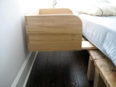 DIY co sleeper!!! This. is. amazing! I wonder if I could get Karl and Paul to craft me something like this for baby!