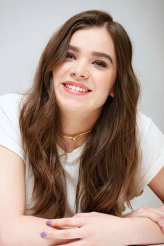 """Hailee Steinfeld at the """"Pitch Perfect Press Conference, Beverly Hills Hailee Steinfeld Pitch Perfect, Hailey Steinfeld, Lily Collins, Messy Hairstyles, Beautiful Celebrities, Brunettes, Singer, Actresses, Long Hair Styles"""