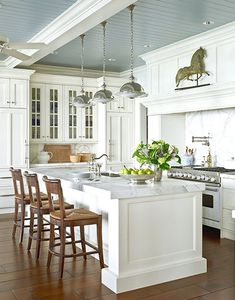 Beadboard Kitchen Ceiling - Design photos, ideas and inspiration. Amazing gallery of interior design and decorating ideas of Beadboard Kitchen Ceiling in dining rooms, kitchens by elite interior designers. Deco Design, Küchen Design, Design Elements, Design Hotel, Wall Design, Design Trends, Home Interior, Interior Design, Classic Interior