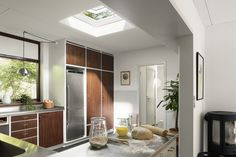 VELUX is the worlds leading manufacturer of Roof windows, flat roof windows, sun tunnels and roof window blinds - See our full product range here! Clerestory Windows, Dormer Windows, Casement Windows, Blinds For Windows, Mini Cocinas Ikea, Internal Glazed Doors, Smart Glass, Extensions, Roof Extension