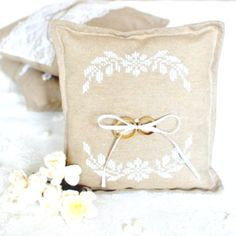 Wedding ring pillow - with cross stitch pillows cuscini anel Wedding Ring Cushion, Wedding Pillows, Ring Bearer Pillows, Ring Pillows, Cross Stitch Pillow, Cross Stitch Rose, Custom Embroidery, Embroidery Patterns, Herb Wedding