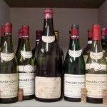 Mercato delle bottiglie autentiche (vuote) e dei vini falsi