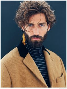 Modell welliges Haar: Maximiliano Patane - Blue Page Wavy Hair Men, Curly Hair Cuts, Curly Hair Styles, Ag Hair Products, Super Hair, Hair And Beard Styles, Haircuts For Men, Men's Hairstyles, New Hair