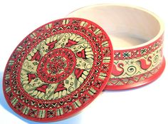 """♥ ♥ ♥ Russian Wooden Box     """"Mezen, it is the name of the traditional handpainting in the region of Arkhangelsk. It got it's name after the Mezen' river flowing into the White Sea, where villages produced painted utensils. The Mezen's painting is the most ancient among other Russian applied art of the same kind. The craft has been originated at the time of the formation of the first Slavic tribes - Pagan times, before Christianity."""" - Kremlin Gifts"""