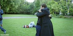 [GIF] SHERLOCK S4 E3: The Final Problem. Benedict Cumberbatch & Martin Freeman behind-the-scenes| They are too adorable not to pin, btw it's another Johnlock hug. You're welcome ;)