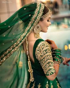 Desi Wedding Dresses, Pakistani Bridal Dresses, Pakistani Dress Design, Indian Bridal Outfits, Indian Bridal Fashion, Indian Designer Outfits, Indian Designers, Indian Photoshoot, Bridal Photoshoot