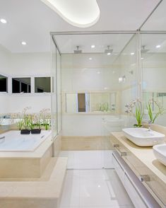 Bathrooms with Bathtubs: Projects, Photos and Ideas! - Home Fashion Trend Bathroom Design Luxury, Home Interior Design, Casa Clean, Modern Baths, Minimalist Bathroom, Dream Bathrooms, Home Decor Inspiration, House Styles, Master Bathroom