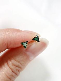 tiny emerald triangle studs // sterling silver or gold filled . may birthst Cute Jewelry, Jewelry Box, Jewelery, Jewelry Accessories, Geek Jewelry, Jewelry Armoire, Jewelry Necklaces, Jewelry Design, Jewelry Hanger