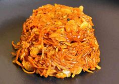 Desserts with carrots in Bengali cuisine is called Gajorer Halwa. Here is a quick easy recipe for the dish in its gluten free version. Sweet Desserts, Dessert Recipes, Making Ghee, Gajar Ka Halwa, Indian Dishes, Quick Easy Meals, Cooking Time, Gluten Free Recipes, Cravings