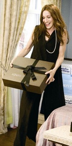 louis vuitton - handbag Carrie gives her assistant, Louise for Christmas