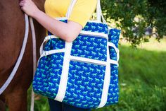 Art Tote Pattern by Anna Maria Horner | Sew Sweetness