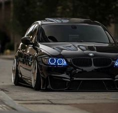 BMW E90 3 series black slammed