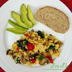 #recipe #receta #bowl #breakfast #desayuno #fruit #frutas #avena #oatmeal #vegan #vegano #vegetariano  #scrambledeggs #huevosrevueltos #tofu #veganeggs