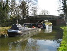 Working boat on the Grand Union Canal by Baz Richardson, via Flickr