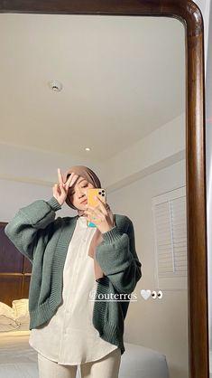 Stylish Hijab, Casual Hijab Outfit, Casual Outfits, Ootd Hijab, Fashion Outfits, Street Hijab Fashion, Muslim Fashion, Korean Fashion, Girl Hijab