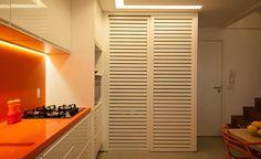 Construindo Minha Casa Clean: 13 Lavanderias Pequenas Escondidas por Portas/Armários!