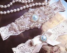 Wedding Garter Set azul, azul Liga Liga de encaje conjunto, blanco boda, algo azul, cristal de la liga, Liga de diamante de imitación,