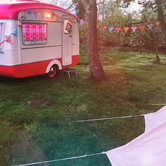 Bank holiday clamping in the Caravan of Love vintage wedding photobooth. Winter Camping, Diy Camping, Beach Camping, Tent Camping, Vintage Caravans, Vintage Travel Trailers, Airstream Vintage, Camping Checklist, Camping Essentials