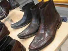 Si tu estilo es más vaquero, estos modelos te encantarán. Ven a nuestra tienda de Las Américas en Playa del Carmen