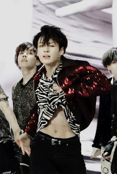 Jungkook you didn't have to do that huhuhu #BTS