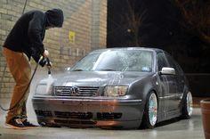 Slammed Volkswagen GLI  Image byEnzo Rubinich