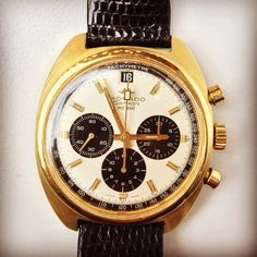 Stunning vintage 18k Movado Datron HS360 #iconicpieces #movado #datron #vintagechronograph #menswatch #vintagewatches #vintageluxury #goldwatch #watchfam #watches #chronograph #stylish #watchesofinstagram #hs360 #pandadial #iconicpieces_com