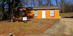 Great Investment Opportunity ~ Property Currently Vacant ~ Please Write Offers Contingent on Showings/Inspections ~ Email info@livelovememphis.com For More Info