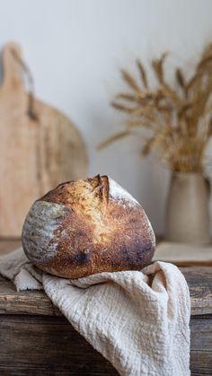 Kváskový chieb Bread, Live, Food, Basket, Brot, Essen, Baking, Meals, Breads