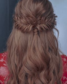 Stunning Wedding Hairstyles for the 2019 Season - Hairstyle on Point Fishtail Hairstyles, Loose Hairstyles, Bride Hairstyles, Hairstyles Haircuts, Long Thin Hair, Hair Flow, Hair Extensions Best, Sleek Ponytail, Creative Hairstyles