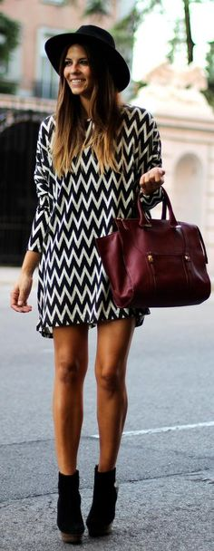 cool pattern! black and white with a purple detail, love it!