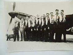 65 squadron. Standing L to R:- S/L Des Cooke, F/S MacPherson, F/Lt GAW Saunders, F/O 'Bunny' Walker, Sgt Kilner.