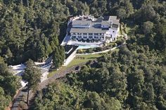 Auckland's Waitakere Estate, wedding venue